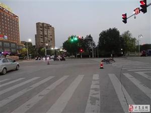 寻乌一学生骑自行车闯红灯被撞,监控还原事故全过程!