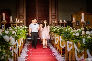 西式婚礼中伴郎伴娘的作用