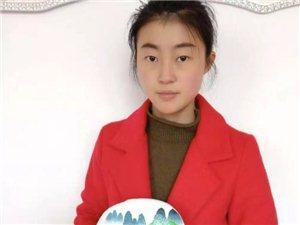 �h中90后美女巧手�L丹青,石�^上作��令人�@�橛^止!