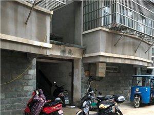 桐城旺水碧岸花园小区昨晚电动车充电被烧毁!电动车充电安全啊啊啊