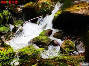 穿越渝川贵三渡赤水丹霞踏水观瀑布