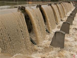 湄江河涨水喽