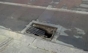 博兴这地方下水道盖子压坏了,希望有人来处理一下