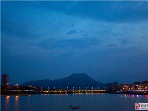 河婆美��的夜景