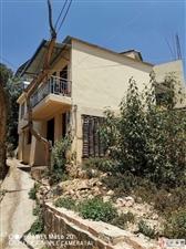 建水碗窑村向逢春故居附近的一处二层独栋房子出售