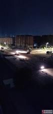 益民小区南门道路半夜施工到凌晨,让人无法入睡,请问有关部门谁能管理