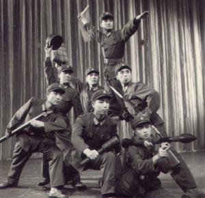 �ふ疫|河油田退休�工�友斌(76年�西退伍)