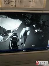 合江的小偷真厉害,这么年轻,晚上十点半左右就开始在某小区偷摩托车