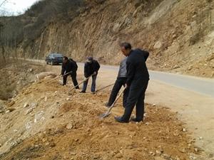 潼南:改善村庄环境卫生让乡村靓丽宜居