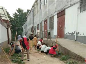 金沙平台网址县水利局:深入街巷清洁环境卫生