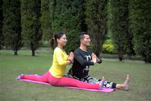 瑜伽-保定艾斯舞蹈培训学校