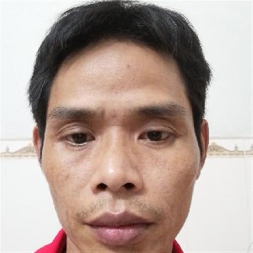 40岁 | 168cm | 初中及以下