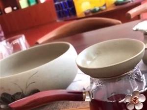 喝懂茶,需要用心尊重每一款茶,好比有缘之人,无论高低贵贱都可以从他身上找到令自己欣赏的东西。