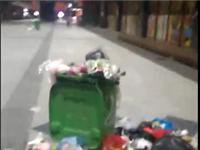 网友吐槽:潢川世博环境卫生状况极差,垃圾满地堆,该找谁监管....