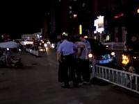 昨夜,潢川西亚门口几名交警搀扶着一位醉汉,不知是否酒驾?