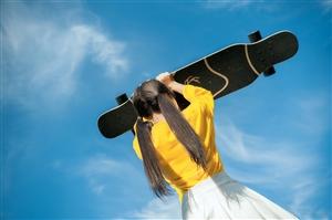 滑板少女,青春靓丽