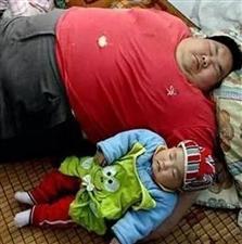 爸爸这样带宝宝,妈妈看到后气疯了