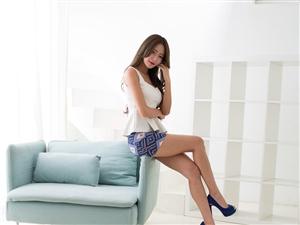 职业女性的美,在于着装和内在的一种气质