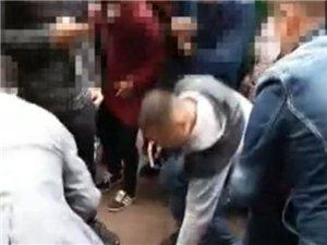 """泸州便衣民警出击 农贸市场抓获2名""""扒手"""""""