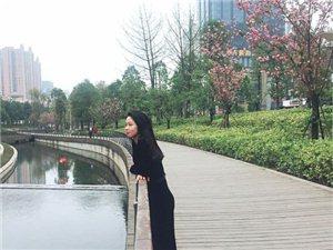 哇塞!水体公园景色宜人,美女也是笑面如花!