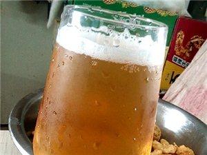炸鸡配啤酒,生活美滋滋!