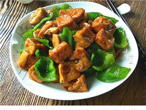 这样做豆腐,简直比肉还好吃,怎么吃都不够。