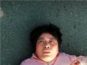 东建材钢材市场西边出车祸了,看下这个女的谁认识