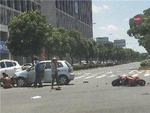 环沉又出车祸了,一男子被撞飞