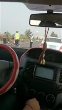 冀州北环路大齐村铁厂附近发生交通事故!