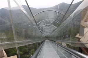 太刺激!萧县皇藏峪建飞翔新型滑道及玻璃吊桥