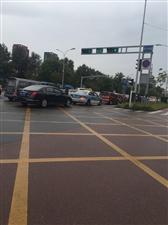 九月工作日第一天,�R市各路段各�N堵啊