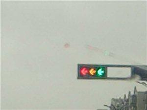 联营岗地这信号灯发生了什么?