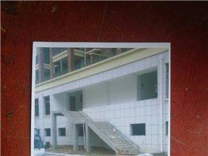 �@就是嘉泰小�^的�梯房