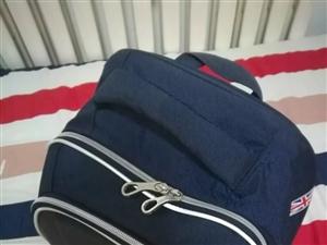 【仁寿在线家长圈】你们娃儿的书包有多重?里面装了多少斤?