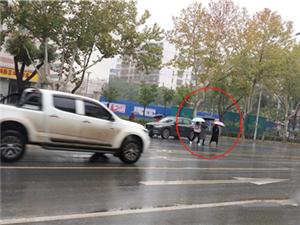 市民反应象山三路路口以北路段斑马线设置不合理荆门交警:新增一条人行横道斑马线