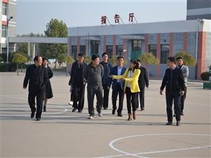 清河县教育同仁来临西实验中学参观交流