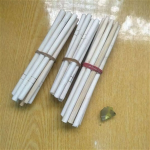 """老师让拿棒棒,这学生""""筷子""""都用上了"""