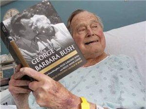 94�q的老布什,他�c芭芭拉再次相遇了