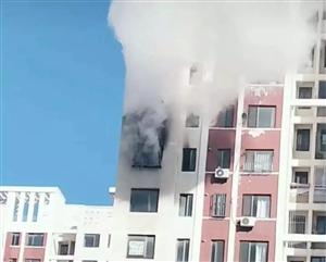 警钟长鸣!营口金海新苑一住户家中突发大火,现场浓烟滚滚…