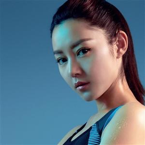 香港艺人卫诗雅,新世界维港泳,我不怕浪我就是浪