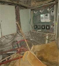 请?#19990;?#23567;区配电房的安全问题谁负责