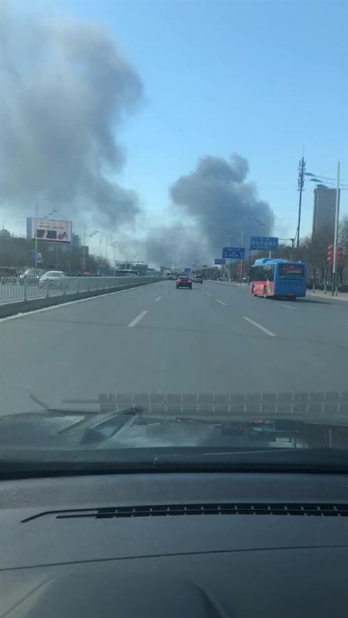 急!滨州黄河三路西外环路附近突发火灾,消防迅速?#21496;�x?#28779;情已被控制!