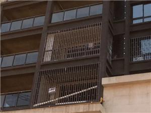 泸州领秀新城小区业主安装保险窗被拒,原因竟是颜色不符合要求