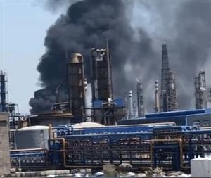 突发!滨州某地化工厂发生大火,烟柱直冲云霄.....