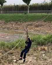 霍邱消防救援中队组织开展T型横渡救援训练