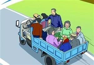 霍邱交警友情提示:午收农忙时节,勿忘交通安全!