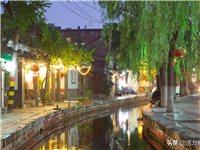 """夜幕下的百花洲曲水亭街,美得像幅油画,被称为""""活着的古街"""""""
