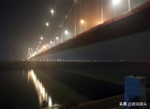 湖北宜昌:西陵长江大桥夜景绚丽