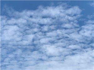 爱就像蓝天白云晴空万里