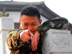 """遂宁蓬溪县消防大队蓬宝路中队开展""""拍张照片寄回家""""活动"""